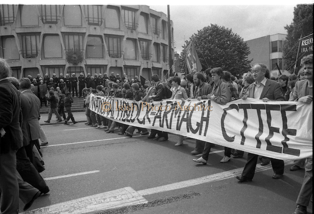 H-Block Protest To British Embassy.  (N86)..1981..18.07.1981..07.18.1981..18th July 1981..A protest march to demonstrate against the H-Blocks in Northern Ireland was held today in Dublin. After the death of several hunger strikers in the H-Blocks feelings were running very high. The protest march was to proceed to the British Embassy in Ballsbridge...Picture shows the protest march passing the American Embassy in Ballsbridge, Dublin