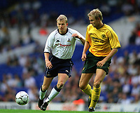 Fotball. Treningskamp. 07.08.2002.<br /> Tottenham v Celtic.<br /> Steffen Iversen, Tottenham.<br /> Ulrik Laursen, Celtic.<br /> Foto: Matthew Impey, Digitalsport