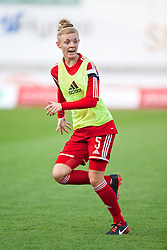 LLANELLI, WALES - Wednesday, April 9, 2014: Wales' Sophie Ingle warms-up before the FIFA Women's World Cup Canada 2015 Qualifying Group 6 match against Ukraine at Parc-y-Scarlets. (Pic by David Rawcliffe/Propaganda)
