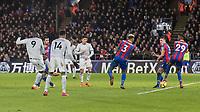 Football - 2017 / 2018 Premier League - Crystal Palace vs. Manchester United<br /> <br /> Romelu Lukaku (Manchester United) drives home the equaliser for Manchester United at Selhurst Park.<br /> <br /> COLORSPORT/DANIEL BEARHAM