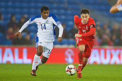 CARDIFF, WALES - Tuesday, November 14, 2017: Wales' Tom Lawrence and Panama's José Gonzalez during the international friendly match between Wales and Panama at the Cardiff City Stadium. (Pic by David Rawcliffe/Propaganda)