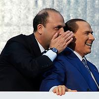 Tutti con Silvio
