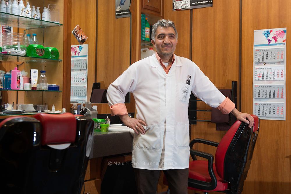 Haareschneiden kostet bei Friseur Tamer Coban acht<br /> Euro
