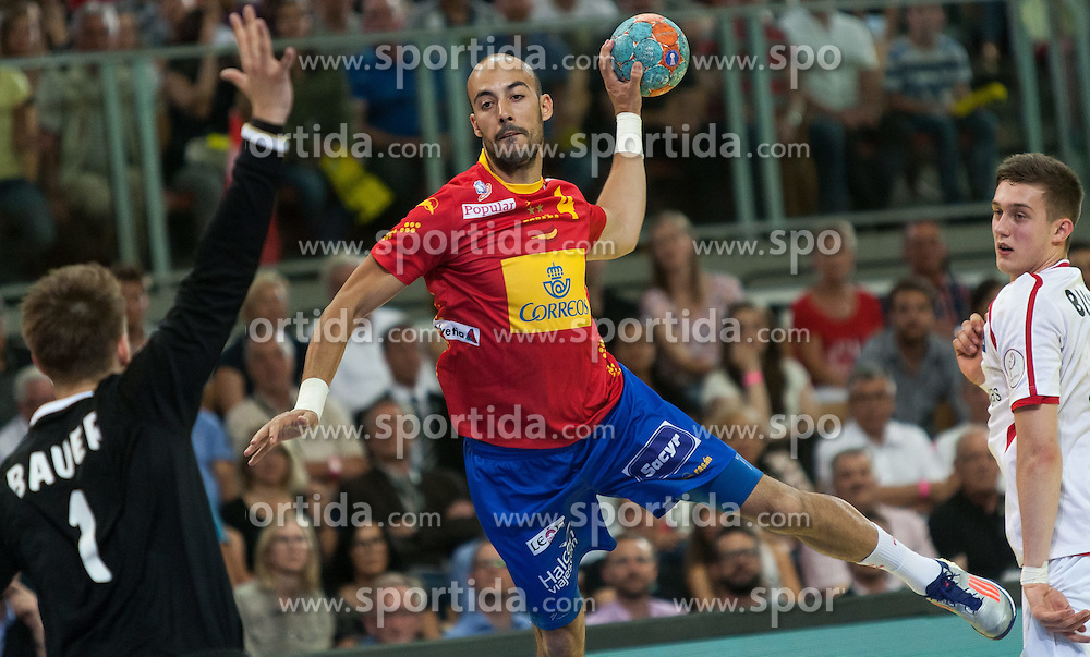 10.06.2015, Olympiahalle, Innsbruck, AUT, EHF Euro Qualifikation, Gruppe 7, Österreich vs Spanien, im Bild Thomas Bauer (AUT, l) Albert Rocas Comas (ESP, r) // during the EHF Euro Qualifikation group 7 match between Austria and Spain at Olympiahalle, Innsbruck, Austria on 2015/06/10. EXPA Pictures © 2015, PhotoCredit: EXPA/ Jakob Gruber
