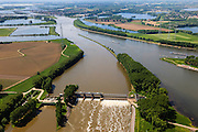 Nederland, Limburg, Gemeente Maasgouw, 27-05-2013; Stuw bij Linne, ingang Lateraalkanaal.<br /> Weir at Linne. Meuse and Meuse-lakes near Roermond.luchtfoto (toeslag op standard tarieven);<br /> aerial photo (additional fee required);<br /> copyright foto/photo Siebe Swart.