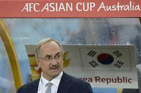 Fotball<br /> Asia Cup / Asiamesterskapet<br /> 26.01.2015<br /> Irak v Sør Korea<br /> Semifinale<br /> Foto: imago/Digitalsport<br /> NORWAY ONLY<br /> <br /> Sydney, Australia. AFC Asian Cup Semi Final. Korea Republic v Iraq. Korean coach Uli Stielike. Korea won the game on 2-0.