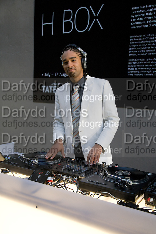 CHARLES DUMAS, HBOX opening Hosted by Tate Modern and Hermes.  Turbine Hall. London. 3 July 2008.  *** Local Caption *** -DO NOT ARCHIVE-© Copyright Photograph by Dafydd Jones. 248 Clapham Rd. London SW9 0PZ. Tel 0207 820 0771. www.dafjones.com.