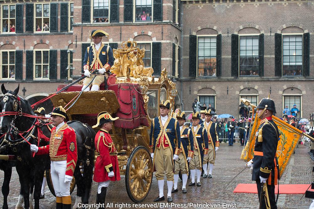 Prinsjesdag - Koninklijke familie in de Gouden Koets<br /> <br /> Budget Day - Royal family in the Golden Coach<br /> <br /> Op de foto / On the photo:  Gouden Koets / Golden Coach