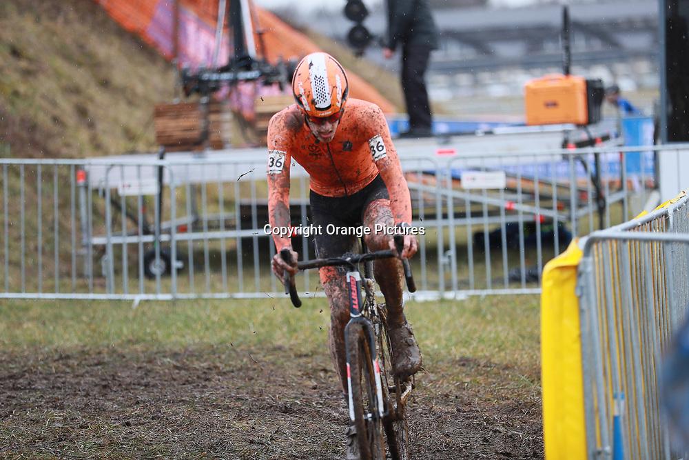 02-02-2020: Wielrennen: WK Veldrijden: Dubendorf <br /> Hugo Kars