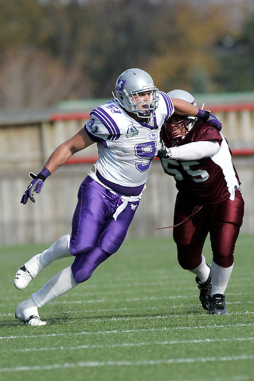 (3 November 2007 -- Ottawa) The University of Western Ontario Mustangs defeating the University of Ottawa Gee Gees lost to 16-23 in OUA football semi-final action in Ottawa. The University of Western Ontario Mustangs player pictured in action is Adam Hrytzak