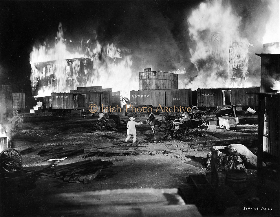 Gone With The Wind' 1939. Producer: David V. Selznick. Still from the Burning of Atlanta sequence