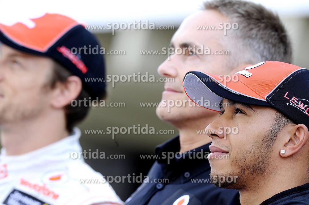 26.11.2011, Autodromo Jose Carlos Pace, Sao Paulo, BRA, F1, Grosser Preis von Brasilien, im Bild Lewis Hamilton (GBR), McLaren F1 Team - Martin Whitmarsh (GBR), McLaren, Team - Chief - Jenson Button (GBR), McLaren F1 Team // during the Formula One Championships 2011 Grand Prix of Brazil held at the Autodromo Jose Carlos Pace, Sao Paulo, Brazil on 2011/11/26. EXPA Pictures © 2011, PhotoCredit: EXPA/ nph/ Dieter Mathis..***** ATTENTION - OUT OF GER, CRO *****