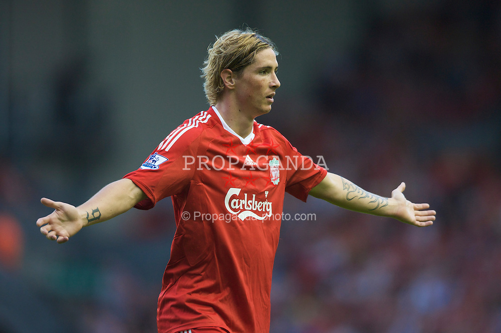 LIVERPOOL, ENGLAND - Friday, August 8, 2008: Liverpool's Fernando Torres in action against Lazio during a pre-season friendly match at Anfield. (Photo by David Rawcliffe/Propaganda)