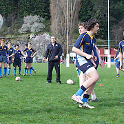 England player Jonny Wilkinson training pupils from Wakatipu High School, Queenstown during a visit by England players  during the IRB Rugby World Cup tournament.  Queenstown, New Zealand. 15th September 2011. Photo Tim Clayton...