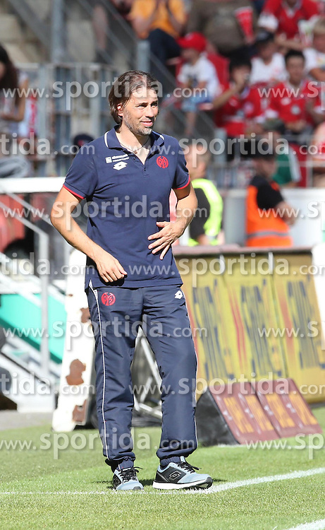 29.08.2015, Coface Arena, Mainz, GER, 1. FBL, 1. FSV Mainz 05 vs Hannover 96, 3. Runde, im Bild v.l.: MZ-Trainer Martin Schmidt // during the German Bundesliga 3rd round match between 1. FSV Mainz 05 and Hannover 96 at the Coface Arena in Mainz, Germany on 2015/08/29. EXPA Pictures &copy; 2015, PhotoCredit: EXPA/ Eibner-Pressefoto/ Neurohr<br /> <br /> *****ATTENTION - OUT of GER*****