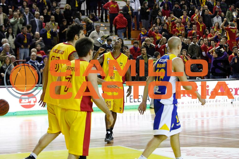 DESCRIZIONE : Barcellona Pozzo di Gotto Campionato Lega Basket A2 2010-11 Sigma Basket Barcellona Tezenis Verona<br /> GIOCATORE : Michael Hicks<br /> SQUADRA : Sigma Basket Barcellona<br /> EVENTO : Campionato Lega Basket A2 2010-2011<br /> GARA : Sigma Basket Barcellona Tezenis Verona<br /> DATA : 12/12/2010<br /> CATEGORIA : Esultanza Ritratto<br /> SPORT : Pallacanestro <br /> AUTORE : Agenzia Ciamillo-Castoria/G.Pappalardo<br /> Galleria : Lega Basket A2 2010-2011 <br /> Fotonotizia : Barcellona Pozzo di Gotto Campionato Lega Basket A2 2010-11 Sigma Basket Barcellona Tezenis Verona<br /> Predefinita :