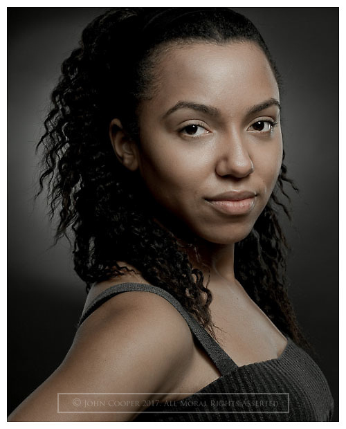 Headshot of actress Leann O'Kasi.