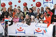 Prinses Maxima opent Cliniclowns College in Amersfoort, hier kunnen zieke en gehandicapte kinderen een speciaal voor hen gemaakte voorstelling meemaken.<br /> <br /> Princess Maxima opens CliniClowns ( dutch clown doctors ) College in Amersfoort, the sick and disabled children can experience here could a custom-made presentation .<br /> <br /> Op de foto/ On the Photo: <br /> <br /> clown doctors