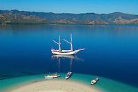 Indonesie. Flores. Region de Riung. Archipel de Pulau Tujuhbelas. ile de Pulau Rutong. // Indonesia. Flores. Riug area. Archipelago of Tujuhbelas. Pulau Rutong island.