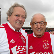 Amsterdam, 03-07-2013. Oud-Ajaxied Sjaak Swart wordt 75 jaar en krijgt een jubileumwedstrijd in het Olympisch Stadion te Amsterdam. Vele oud-Ajax gedienden waren uitgenodigd. Mr. Ajax - Sjaak Swart maakte deel uit van oud-Ajax elftal. Foto: Arie Haan en oud-Ajax verzorger Salo Muller.