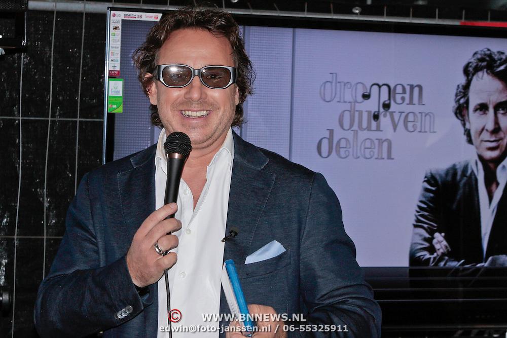NLD/Amsterdam/20111014 - Lancering 3D Bluray 3D Dimensies Live van Marco Borsato