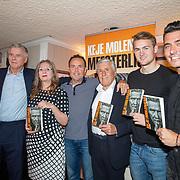 NLD/Volendam/20190522 - Boekpresentatie Keje Molenaar – Meesterlijk Keje, Keje, weduwe bert Nederlof, Pier Tol, Sjaak Swart, Matthijs de Ligt en Jan Smit