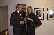 Annika Perdey and Tim Brocklehurst. Robert Doisneau exhibition preview. Hamiltons. 20 November 2001. © Copyright Photograph by Dafydd Jones 66 Stockwell Park Rd. London SW9 0DA Tel 020 7733 0108 www.dafjones.com