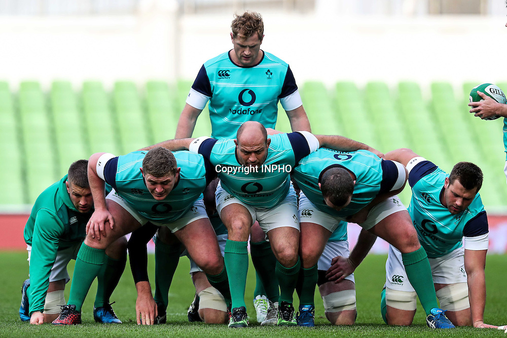 Ireland Rugby Captain's Run, Aviva Stadium, Dublin 18/11/2016<br /> A view of the Irish team scrum training<br /> Mandatory Credit &copy;INPHO/Billy Stickland