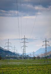 27.04.2011, Kaprun, AUT, Energie Feature, im Bild Stromleitungen (Überlandleitungen) die im Salzachtal verlaufen, im Vordergrund eine Wiese im Frühlings blühen, Die Stromleitungen rund um Kaprun (Pinzgau, Salzburgerland), liefern Energie aus einem Wasserkraftwerk per Überlandleitungen  an die Kunden. // Power lines (transmission lines) that run in the Salzach valley, in the foreground a meadow flower in spring, the power lines around Kaprun (Pinzgau, Salzburg), provide energy from a Wasskraftwerk via transmission lines to customers, EXPA Pictures © 2011, PhotoCredit: EXPA/ J. Feichter