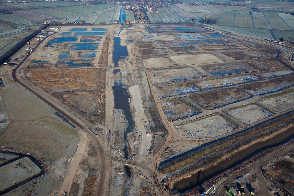 Nederland, Noord-Holland, Broek in Waterland, 10-01-2009; Volgermeerpolder, voormalig stortplaats, ernstig verontreinigd als gevolg van het storten van vaten met giftig chemisch afval door Philips-Duphar, waaronder dioxine, benzeen; de polder wordt gesaneerd;.former landfill seriously polluted as a result of to the dumping of drums with toxic chemical waste by Philips-Duphar, including dioxins, benzene; the polder is remediated and redeveloped. .luchtfoto (toeslag); aerial photo (additional fee required); .foto Siebe Swart / photo Siebe Swart /photo Siebe Swart