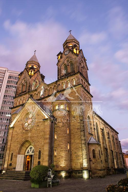 Catedral Diocesana Nossa Senhora dos Prazeres, construida em 1922 no estilo neogótico, Lages, Santa Catarina, foto de Ze Paiva - Vista Imagens