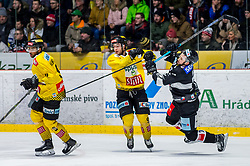 06.01.2019, Ice Rink, Znojmo, CZE, EBEL, HC Orli Znojmo vs Vienna Capitals, 36. Runde, im Bild v.l. Ali Wukovits (Vienna Capitals) Kelsey Tessier (Vienna Capitals) Nicolas Hlava (HC Orli Znojmo) // during the Erste Bank Eishockey League 36th round match between HC Orli Znojmo and Vienna Capitals at the Ice Rink in Znojmo, Czechia on 2019/01/06. EXPA Pictures © 2019, PhotoCredit: EXPA/ Rostislav Pfeffer