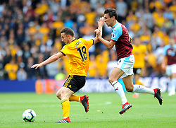 Diogo Jota of Wolverhampton Wanderers under pressure from Jack Cork of Burnley- Mandatory by-line: Nizaam Jones/JMP- 16/09/2018 - FOOTBALL - Molineux - Wolverhampton, England - Wolverhampton Wanderers v Burnley - Premier League