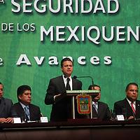 """Toluca, Mex.- Enrique Peña Nieto, gobernador del estado de México, durante el Informe del Consejo Coordinador Estatal del programa  """"Acuerdo para la Seguridad Pública Integral de los Mexiquenses"""". Agencia MVT / Luis Enrique Hernandez V. (DIGITAL)<br /> <br /> <br /> <br /> NO ARCHIVAR - NO ARCHIVE"""