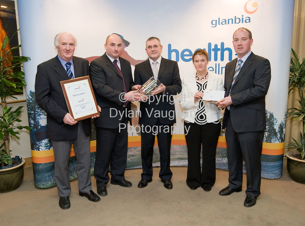 25/1/2008.free picture no charge for use.Pictured at Glanbia House in Kilkenny at the annual Grain Awards was from left Victor Quinlan, Vice Chairman Glanbia PLC, Martin McDonald, Enniscorthy, Glanbia Quality Oats Award, John McGuinness TD, Junior Minister responsible for Trade and Commerce, Breeda McDonlad and Ed Prendergast, Glanbia Agri-Business..Picture Dylan Vaughan.