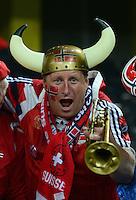 Fussball International  WM Qualifikation 2014   12.10.2012 Schweiz - Norwegen JUBEL NOR Fan feiert das Tor zum 1-1 Ausgleich