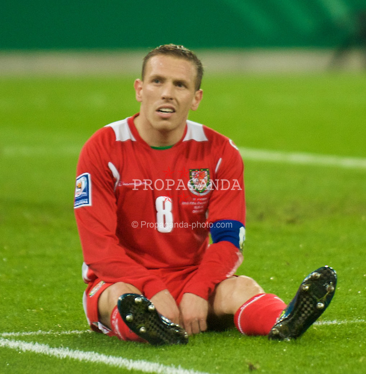 MONCHENGLADBACH, GERMANY - Wednesday, October 15, 2008: Wales' captain Craig Bellamy looks dejected after missing a chance against Germany during the 2010 FIFA World Cup South Africa Qualifying Group 4 match at the Borussia-Park Stadium. (Photo by David Rawcliffe/Propaganda)