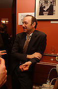 Kevin Spacey. Opening night of Embers, Duke of York's theatre. St. Martin's Lane. London. 1 March 2006. ONE TIME USE ONLY - DO NOT ARCHIVE  © Copyright Photograph by Dafydd Jones 66 Stockwell Park Rd. London SW9 0DA Tel 020 7733 0108 www.dafjones.com