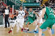 DESCRIZIONE : Avellino Lega A 2015-16 Sidigas Avellino Dolomiti Energia Trentino Trento<br /> GIOCATORE : Jamarr Sanders<br /> CATEGORIA :  palleggio<br /> SQUADRA : Dolomiti Energia Trentino Trento<br /> EVENTO : Campionato Lega A 2015-2016 <br /> GARA : Sidigas Avellino Dolomiti Energia Trentino Trento<br /> DATA : 01/11/2015<br /> SPORT : Pallacanestro <br /> AUTORE : Agenzia Ciamillo-Castoria/A. De Lise <br /> Galleria : Lega Basket A 2015-2016 <br /> Fotonotizia : Avellino Lega A 2015-16 Sidigas Avellino Dolomiti Energia Trentino Trento