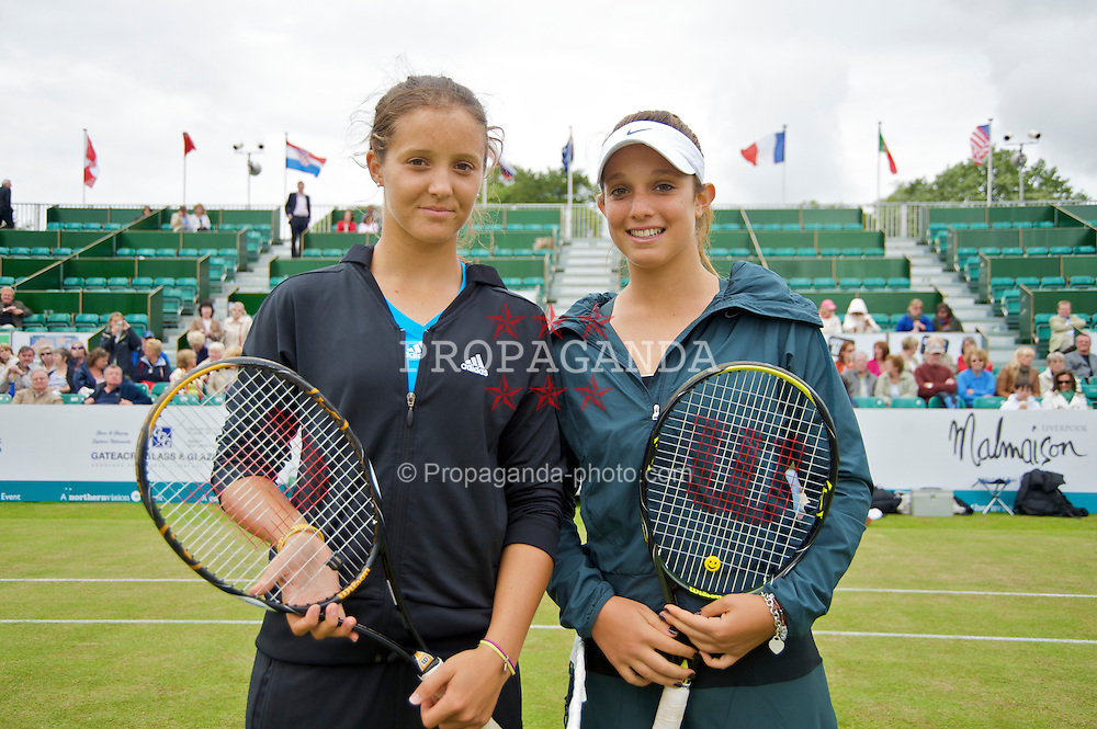 LIVERPOOL, ENGLAND - Friday, June 19, 2009: Laura Robson (GBR) and Tamaryn Hendler (BEL) during Day Three of the Tradition ICAP Liverpool International Tennis Tournament 2009 at Calderstones Park. (Pic by David Rawcliffe/Propaganda)