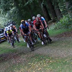28-09-2016: Wielrennen: Olympia Tour: Assen <br />ASSEN (NED) wielrennen <br />Kopgroep op de Drentse keien richting Exloo