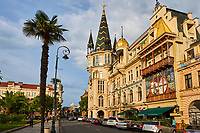 Georgie, Batumi, place de l'Europe, architecture Belle Epoque // Georgia, Batumi, Europe Square, Belle Epoque buildings