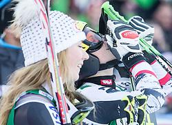 28.12.2013, Hochstein, Lienz, AUT, FIS Weltcup Ski Alpin, Lienz, Riesentorlauf, Damen, 2. Durchgang, im Bild Anna Fenninger (AUT) (rechts) und Mikaela Shiffrin (USA) // after the 2nd run of ladies giant slalom Lienz FIS Ski Alpine World Cup at Hochstein in Lienz, Austria on 2013/12/28, EXPA Pictures © 2013 PhotoCredit: EXPA/ Michael Gruber