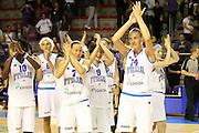 Taranto 07-06-2011<br /> Qualifying Tournament Eurobasket Women 2011<br /> Italia-Belgio<br /> Nella foto Kathrin Ress Francesca Zara e la squadra<br /> Foto di Ciamillo-Castoria