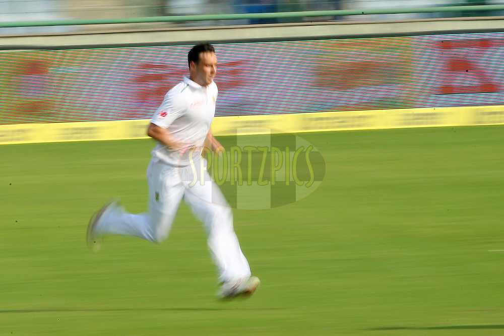 Kyle Abbott of South Africa ] during day two of the 4th Paytm Freedom Trophy Series Test Match between India and South Africa held at the Feroz Shah Kotla Stadium in Delhi, India on the 4th December 2015<br /> <br /> Photo by Ron Gaunt  / BCCI / SPORTZPICS