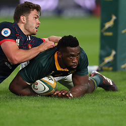 DURBAN, SOUTH AFRICA - JUNE 17: Siya Kolisi of South Africa going over for a try during the 2nd Castle Lager Incoming Series Test match between South Africa and France at Growthpoint Kings Park on June 17, 2017 in Durban, South Africa. (Photo by Steve Haag/Gallo Images)