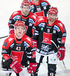 13.12.2015, Tiroler Wasserkraft Arena, Innsbruck, Österreich, EBEL, HC TWK Innsbruck die Haie vs HC Orli Znojmo, 30. Runde, im Bild vl.:  Jeff Ulmer (HC TWK Innsbruck Die Haie), Nick Ross (HC TWK Innsbruck  Die Haie), John Lammers (HC TWK Innsbruck Die Haie) // during the Erste Bank Icehockey League 30th round match between HC TWK Innsbruck  die Haie and HC Orli Znojmo at the Tiroler Wasserkraft Arena in Innsbruck, Austria on 2015/12/13. EXPA Pictures © 2015, PhotoCredit: EXPA/ Jakob Gruber