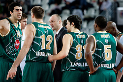 Head coach of Olimpija Jure Zdovc with players during Euroleague Top 16 basketball match between Lottomatica Virtus Roma (ITA) and KK Union Olimpija Ljubljana (SLO) in Group F, on January 20, 2011 in Arena PalaLottomatica, Rome, Italy. (Photo By Vid Ponikvar / Sportida.com)