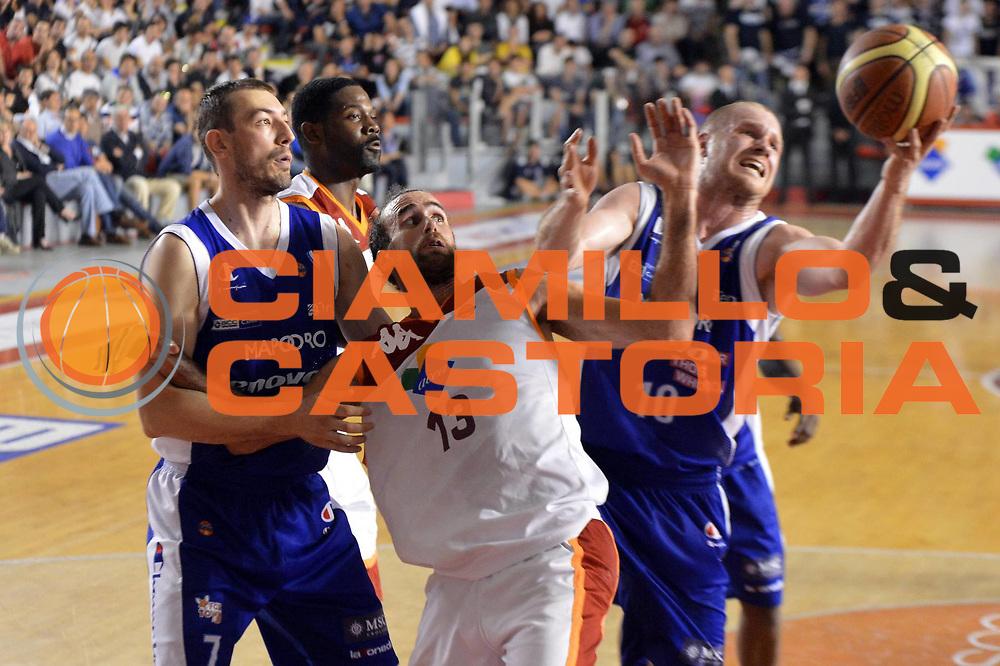 DESCRIZIONE : Roma Lega A 2012-2013 Acea Roma Lenovo Cantu playoff semifinale gara 5<br /> GIOCATORE : Luigi Datome Maarten Leunen <br /> CATEGORIA : Rimbalzo<br /> SQUADRA : Acea Roma Lenovo Cantu<br /> EVENTO : Campionato Lega A 2012-2013 playoff semifinale gara 5<br /> GARA : Acea Roma Lenovo Cantu<br /> DATA : 02/06/2013<br /> SPORT : Pallacanestro <br /> AUTORE : Agenzia Ciamillo-Castoria/GiulioCiamillo<br /> Galleria : Lega Basket A 2012-2013  <br /> Fotonotizia : Roma Lega A 2012-2013 Acea Roma Lenovo Cantu playoff semifinale gara 5<br /> Predefinita :