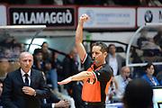 DESCRIZIONE : Caserta Lega serie A 2013/14  Pasta Reggia Caserta Acea Virtus Roma<br /> GIOCATORE : arbitro<br /> CATEGORIA : mani composizione<br /> SQUADRA : Pasta Reggia Caserta<br /> EVENTO : Campionato Lega Serie A 2013-2014<br /> GARA : Pasta Reggia Caserta Acea Virtus Roma<br /> DATA : 10/11/2013<br /> SPORT : Pallacanestro<br /> AUTORE : Agenzia Ciamillo-Castoria/GiulioCiamillo<br /> Galleria : Lega Seria A 2013-2014<br /> Fotonotizia : Caserta  Lega serie A 2013/14 Pasta Reggia Caserta Acea Virtus Roma<br /> Predefinita :